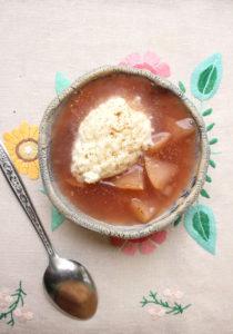 Õunakissell kreemja riisipudruga