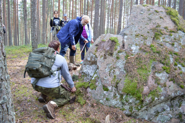 Suure kivi juures Puutlipalus